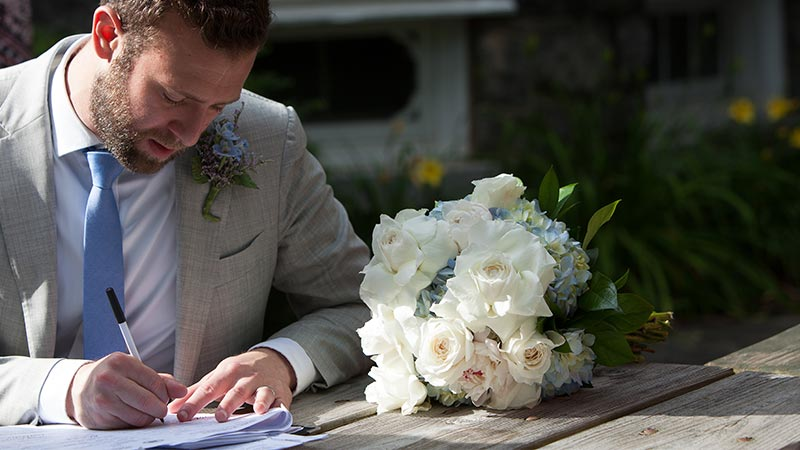 groom writing something